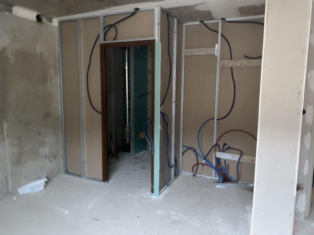Passage De Cable Dans Cloison montage des cloisons placostil, passage des câbles